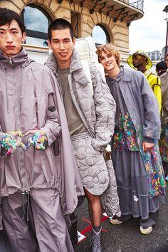 Sonny Vandevelde - Louis Vuitton Men Fashion Show Paris Backstage New Mens Fashion Trends, Men Fashion Show, Runway Fashion, Fashion Models, High Fashion, Winter Fashion, Fashion Designers, Fashion Fashion, Dolly Fashion