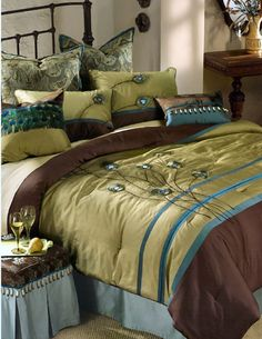 Peacock Bedding...I WANT!