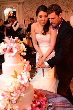 Yena & Andrew Yena & Andrew's unforgettable luxury wedding at St Regis New York Nyc Wedding Photographer, Wedding Photography, New York Wedding Dresses, Luxury Wedding, Destination Wedding, Hotel New York, Vera Wang, Manhattan, Ballroom Wedding