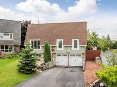 2952 Quetta Mews, Mississauga, ON L5N1Z7. 3 bed, 2 bath, $549,000. Beautiful Updated Ra...