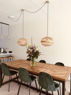 Dining Room Inspiration, Home Decor Inspiration, Decor Ideas, Home Living Room, Living Room Decor, Farmhouse Flooring, Küchen Design, Dining Room Design, Furniture Makeover