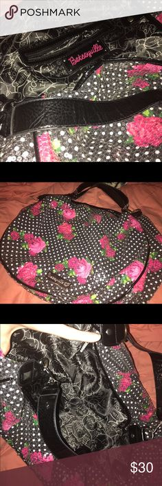 Betseyville tote bag | used Pink and black full sequence tote | large | mild use | no holes | no missing sequence | magnetic closure Betsey Johnson Bags Totes