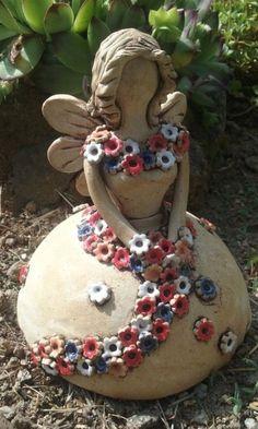 Pottery Store, Metal Garden Art, Diy Art Projects, Pottery Classes, Ceramics Projects, Ceramic Art, Ideas, Art Sculptures, Modern Design
