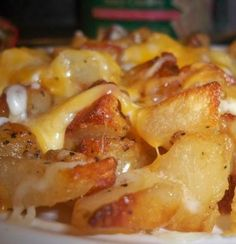 Taco Bell Cheesy Fiesta Potatoes Recipe Genius Kitchen, Cheesy Potatoes Spicy Southern Kitchen, Pork chop side dishes ideas on P. Potato Dishes, Potato Recipes, Food Dishes, Taco Side Dishes, I Love Food, Good Food, Yummy Food, Tasty, Cheesy Fiesta Potatoes Recipe