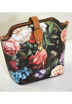 Čierna crossbody kabelka s kvetinovou potlačou-malá