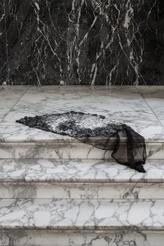 RE-SEA ME rug with fish leather design by Studio Nienke Hoogvliet. Photography by Femke Poort. Waste Art, Studio, Marble House, Salmon Skin, Design Textile, Small Stool, Conceptual Art, Texture Art, Interior Design Inspiration