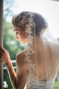FAQs: How to Select the Perfect Bridal Veil for Your Wedding Dress - MODwedding