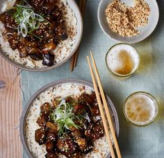 Sticky aubergine with rice, bursting with Chinese takeaway flavours you can make at home. This easy Asda Recipes, Veg Recipes, Healthy Recipes, Healthy Dinners, Healthy Food, Recipies, One Pound Meals, Cheap Family Meals, Cheap Veggie Meals