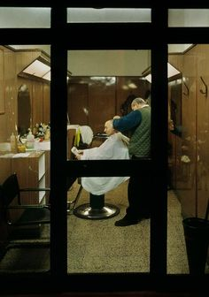 by Harry Gruyaert, Roma, 2000 Magnum Photos, Photography Tips, Street Photography, Through The Window, Art Of Living, Photojournalism, Light And Shadow, Barber Shop, Illusions