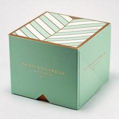 Beatiful cake box, cake box with handle Cake Boxes Packaging, Cupcake Packaging, Dessert Packaging, Bakery Packaging, Food Packaging Design, Packaging Design Inspiration, Brand Packaging, Bakery Branding, Luxury Packaging