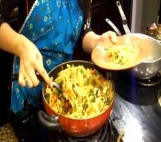 Indo-Chinese Noodles / Hakka Noodles / Veg Stir Fry Recipe Video by Eat East Indian Asian Recipes, Asian Foods, Ethnic Recipes, Veg Stir Fry, Stir Fry Recipes, Chinese Food, Food Videos, Noodles, Macaroni And Cheese