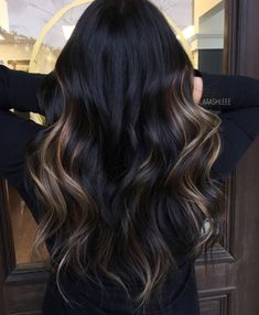 Blonde and dark brown hair color ideas. Top best Balayage hairstyles for natural black and brown hair. Balayage hair color ideas with blonde, brown, caramel. Top Balayage hairstyles to completely new look. Pretty Hair Color, Hair Color For Black Hair, Black Hair Ombre, Black Hair Balyage, Dark Hair Style, Black Colored Hair, Dyed Black Hair, Darker Hair Color Ideas, Best Hair Color