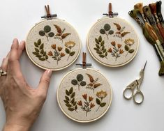 Etsy Embroidery, Hand Embroidery Art, Flower Embroidery Designs, Simple Embroidery, Floral Embroidery, Cross Stitch Embroidery, Embroidery Patterns, Embroidery Hoops, Finishing Embroidery Hoop