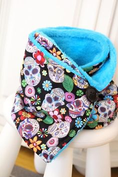Lady Tattooch: Pro mladou rebelku...DIY Sew Sewing Homemade Bag Scarf Neckscarf Tuttorial Free Patern Blog Blogger Skull Skulls