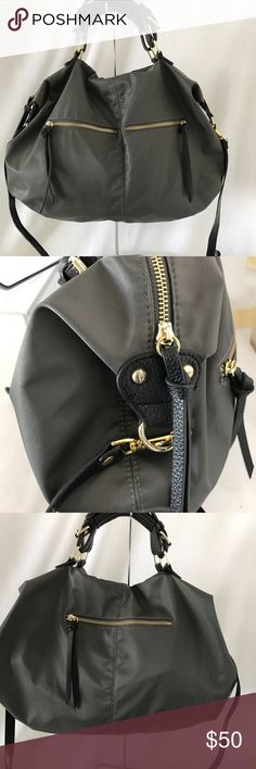 Steve Madden large crossbody bag Looks great just has gentle used. Steve Madden Bags Crossbody Bags