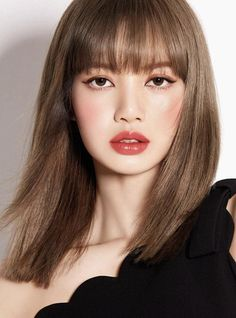 It would be a dream to meet her 😅 I don't care, I love this woman and her hair haha. Lisa from Blackpink! Pretty People, Beautiful People, Lisa Blackpink Wallpaper, Black Pink Kpop, Blackpink Photos, Kim Jisoo, Blackpink Lisa, Korean Makeup, Blackpink Fashion