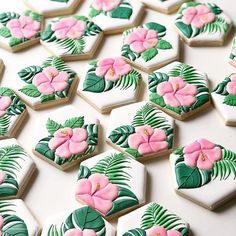 super Ideas for party tropical sugar cookies Tropical Cupcakes, Tropical Party, Tropical Bridal Showers, Hawaiian Birthday, Luau Birthday, 16th Birthday, Birthday Cake, Summer Cookies, Flower Cookies