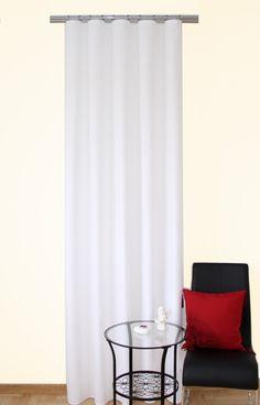 Biała zasłona dekoracyjna na okna