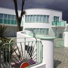 Art Deco house, Frinton-on-Sea.....Love this
