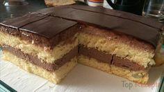Einen einfacheren Kuchen habe ich noch nie gemacht. Ein super Geschmack vom Pudding kombiniert mit dem Biskuitboden. Und oben drauf die Schokoglasur – zum Reinbeißen.