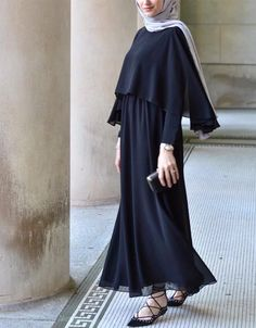 Like all magnificent things, its simple 👌🏻Feeling pure elegance in this gown and hijab😍 Islamic Fashion, Muslim Fashion, Modest Fashion, Fashion Dresses, Hijab Style Dress, Hijab Chic, Hijab Outfit, New Abaya Style, Dubai Fashion