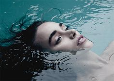 & Beauty Photography by Sam Thies soothing water.Fashion & Beauty Photography by Sam Thies Beauty Photography, Underwater Photography, Lifestyle Photography, Portrait Photography, Fashion Photography, Inspiring Photography, People Photography, Photography In Water, Photography Ideas