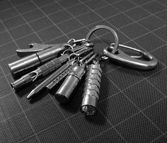 This maybe the nicest minimalist EDC keychain I've seen.