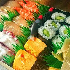 Sushi BOX お持ち帰り寿司  #Sushi#sushibox #lunchbox #prawnSushi#shrimpsushi #eggroll#prawn #octopus#cucumber#vegSushi#sushilovers#Sushiroll 2016052021 #japanesefood#foodgasm#foodpics#beautifulfood#healthyfood#umami#colorful#izakaya#party#kaiseki#wasyoku#washoku#LEXUSlife #yum#foodporn#foodie#yummy . . . 責めないツモリでした また何度目 安定安心確約の証拠 by lgazmalu