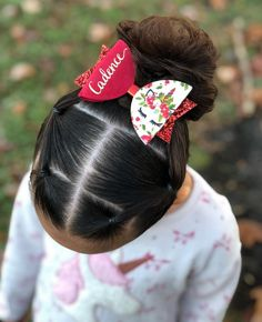 Quick 5 minute style that was inspired by ❤️ she's very talented and creative, so you should check her page out if… Toddler Hair Dos, Easy Toddler Hairstyles, Kids Braided Hairstyles, Trendy Hairstyles, Ballet Hairstyles, Lil Girl Hairstyles, Girl Hair Dos, Braids For Kids, Natural Hair Styles