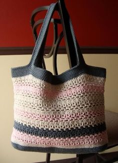 Free crochet bag pattern. #crochetbags