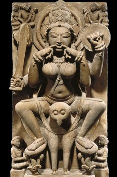 मङ्गलम्@veejaysai·22 sept.Tantric Yogini Raatrini from 11th cent. who protects the night. Riding owl, armed with sword/shield, she arrives whistling! #Navratri2017