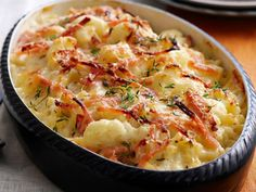 Macaroni Cauliflower Cheese Bake recipes-to-try Macaroni Recipes, Macaroni Cheese, Bacon Recipes, Cooking Recipes, Cauliflower Cheese Bake, Cauliflower Gratin, Easy Weekday Meals, Good Food, Yummy Food