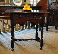 TABLES - THIS VERY PRETTY TABLE IS OF EXCEPTIONAL COLOUR AND PATINATION.