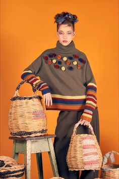 sfilata im isola marras milano Knitwear Fashion, Knit Fashion, Knitting Designs, Refashion, Hand Knitting, Knitting Patterns, Knit Crochet, Clothes For Women, Sweaters