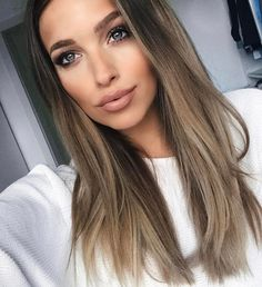 Beautiful hair color and makeup love Hair Day, New Hair, Coiffure Hair, Cool Hair Color, Brunette Hair, Cute Brunette, Great Hair, Gorgeous Hair, Balayage Hair