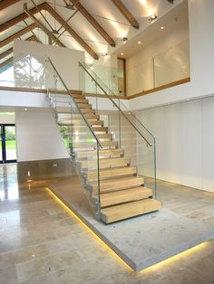 21 Beautiful Modern Glass Staircase Design - Home Design - Info Virals - New Fashion and Home Design around the World House Staircase, Staircase Railings, Staircase Design, Stairways, Stair Design, Industrial House, Industrial Interiors, Interior Decorating Styles, Modern Interior Design