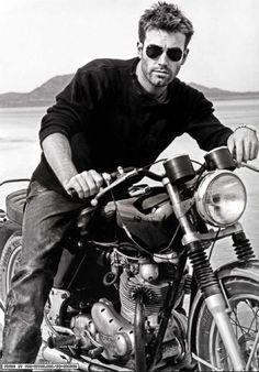 Ben Affleck..men + motorcycles ♥