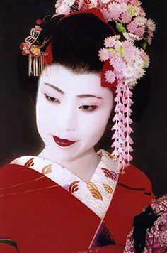 Geisha- amazing Kanzashi!
