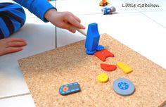 atelier Montessori avec le jeu de clous de la marque Haba. Un jeu qui stimule la motricité fine, la concentration, l'imagination et l'esprit mathématique de l'enfant. Pour les enfants à partir de 3 ans. #Montessori #montessoriathome #haba