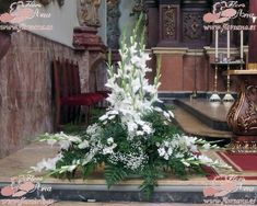 The post appeared first on Platinium Moda. Altar Flowers, Church Flowers, Big Flowers, White Flowers, Church Altar Decorations, Flower Decorations, Gladioli, Flower Bouquet Wedding, Floral Wedding