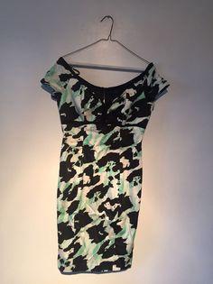 af54e94fce Mangano Dress Size 6 Green With Black And Zipper On The Back  Mangano   TeaDress