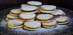 mogyorkremes Sweet Recipes, Cake Recipes, Hungarian Recipes, Holiday Dinner, Cakepops, Winter Food, Cake Cookies, Biscotti, Caramel