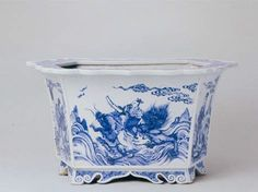 http://www.chinapotteryonline.com/wp-content/uploads/2010/11/Chinese-Blue-and-White-Porcelain-5.jpg