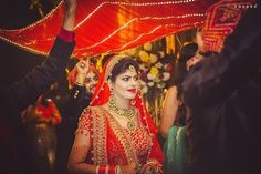 Are you looking for different styles of Phoolon Ki Chadar for your wedding? Here, find the most beautiful Phoolon Ki Chadar ideas for a bridal entry. Lilac Wedding, White Wedding Flowers, Wedding Bride, Dream Wedding, Diy Wedding, Wedding Ideas, Best Wedding Planner, Destination Wedding Planner, Wedding Planners