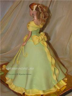Кукла в зеленом с желтыми цветами и бантом1