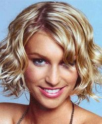 If i could ever get the nerve to cut my hair this short, i think it would turn out like this.