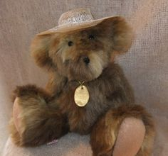 "Willie Crofter, 12"" Dinker Bear by Sherford Valley Bears. http://www.sherfordbear.co.uk"