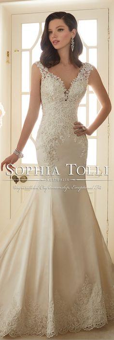 The Sophia Tolli Spring 2016 Wedding Dress Collection - Style No. Y11629 - Rexana #laceweddingdress #vestidodenovia | #trajesdenovio | vestidos de novia para gorditas | vestidos de novia cortos http://amzn.to/29aGZWo