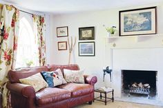 An idyllic flint cottage - Period Living English Cottage Interiors, Period Living, Cottage Living Rooms, Gallery Wall, Home And Garden, Traditional, Cottages, Houses, Home Decor