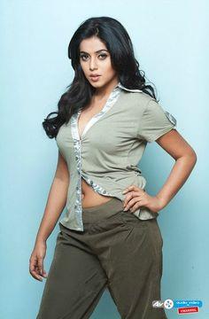 Shamna Kasim (Poorna) More @ http://audiovideochannel.com/collection/9/photos/Shamna-Kasim-Poorna